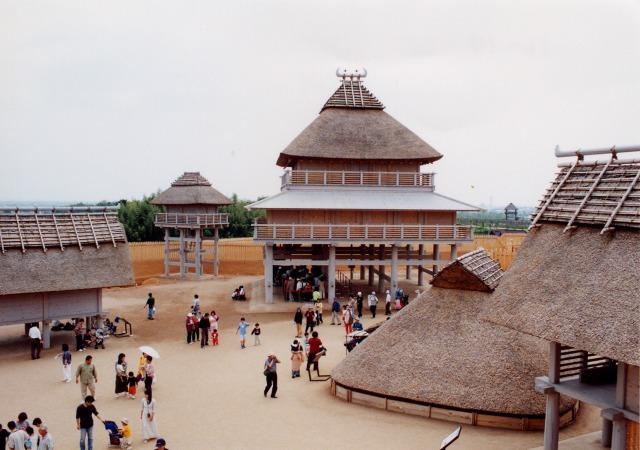 国営吉野ヶ里歴史公園 北内郭(中央の建物は『主祭殿』)