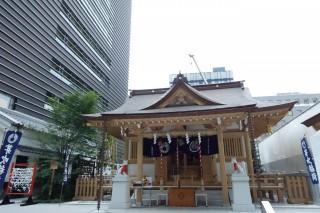 ビルの谷間にある福徳神社