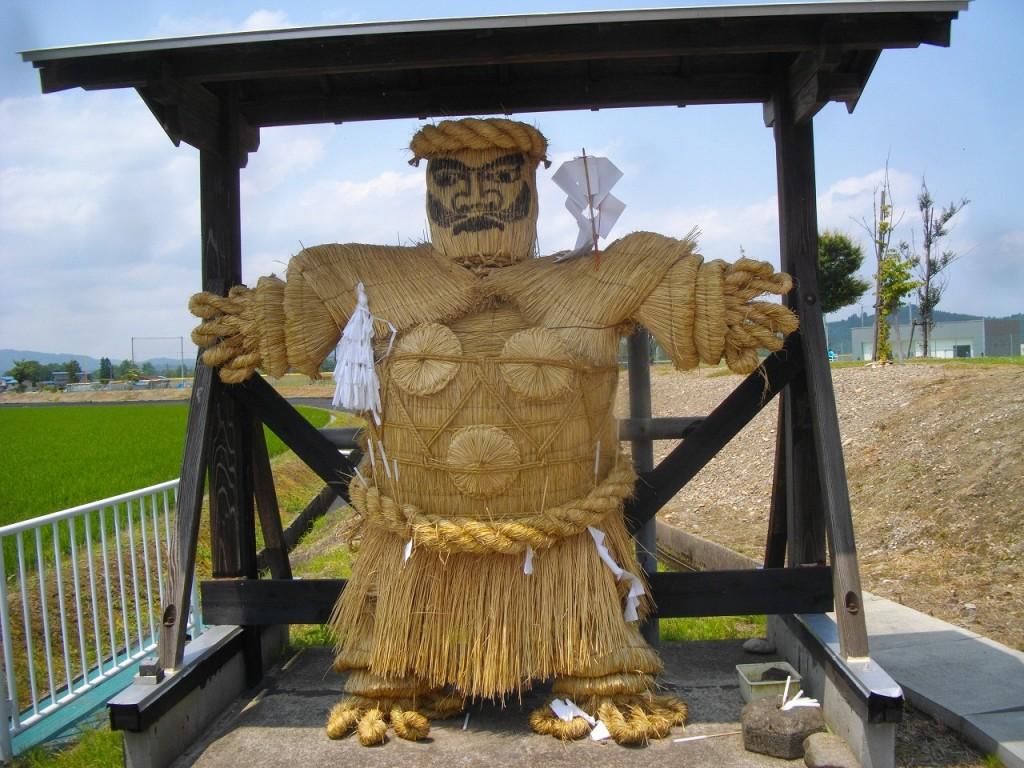 秋田県横手市で見られる人形道祖神