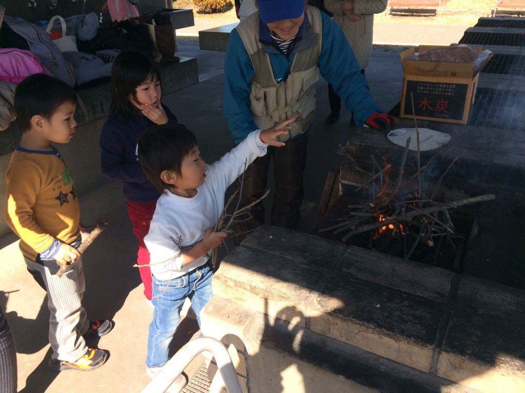 BBQ広場で屋外料理体験