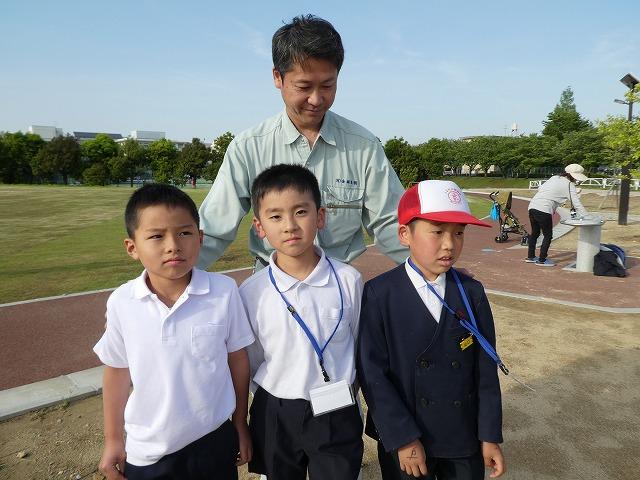 はにかみながら、「楽しそうだから、こども公園部長になった」と話してくれた3人の2代目こども公園部長。