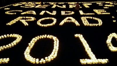 9万個のキャンドルが灯される「2014千里キャンドルロード」