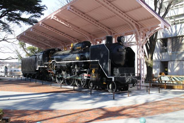 転車台をイメージしたC60(ろぐまる)広場<br>C60型蒸気機関車が保存されているのは全国で西公園だけ