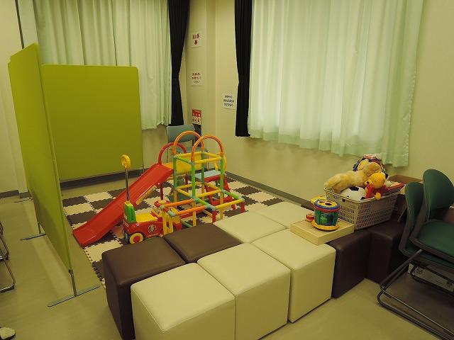 キッズスペース管理棟の研修室に設置した