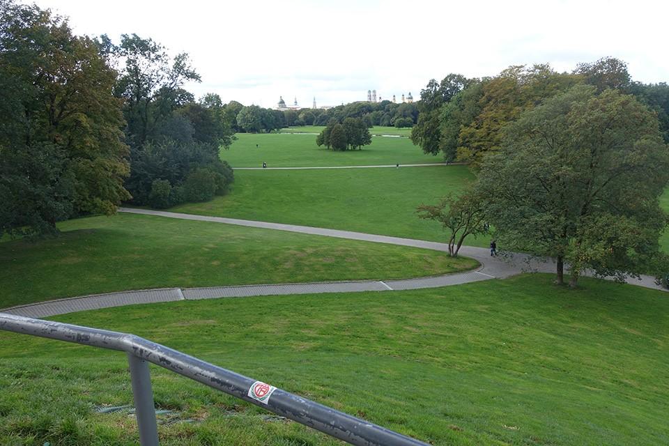 イギリス式庭園の風景が美しい