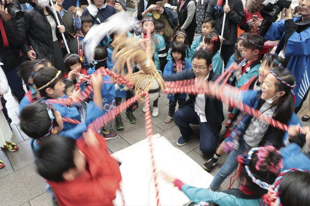 大イノコ祭りで使われている亥の子石<br>写真提供:大イノコ祭りを支える市民の会(広島県広島市)