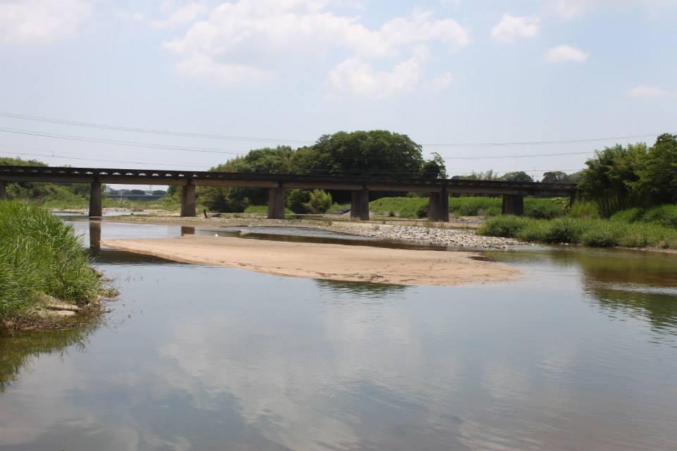 亀山市内を流れる鈴鹿川でも、子供のころから魚を捕って遊んだ