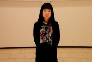 「美術大学」など、教育普及事業を担当する東谷千恵子さん